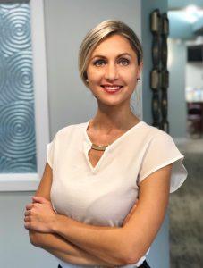 Dr. Olena Akbulut